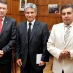 El gobernador de la Provincia, CPN. Claudio Poggi, ministro de Agricultura de la Nación Norberto Yauhar (izq)y embajador árabe Torki Al-Madi (der)