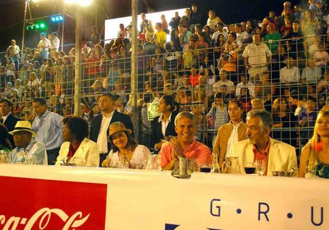Palco. Sandra Correa, Gobernador de San Luis Claudio Poggi y doctor Alberto Rodríguez Saa