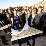 Placa recordatoria de la inauguración del Dique La Estrechura