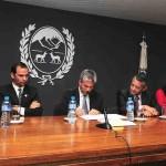 Firma del decreto para la conformación de la Comisión Organizadora