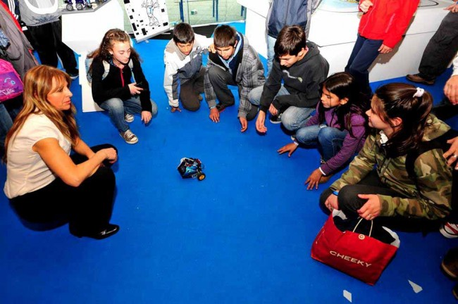 Alumnos y robótica