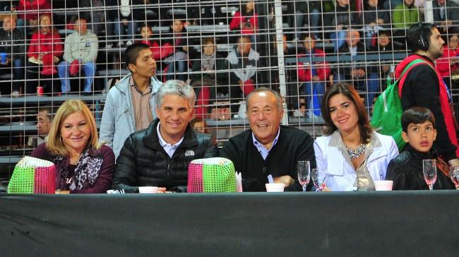 Gobernador Claudio Poggi y su esposa Sandra Correa, Senador Adolfo Rodríguez Saa, señora e hijo