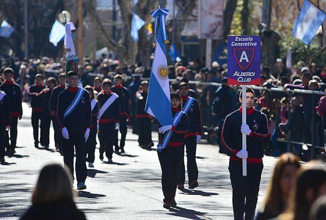 Desfile del 9 de Julio en Villa Mercedes